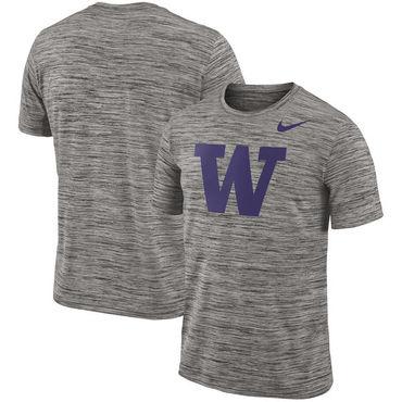 Nike Washington Huskies 2018 Player Travel Legend Performance T Shirt